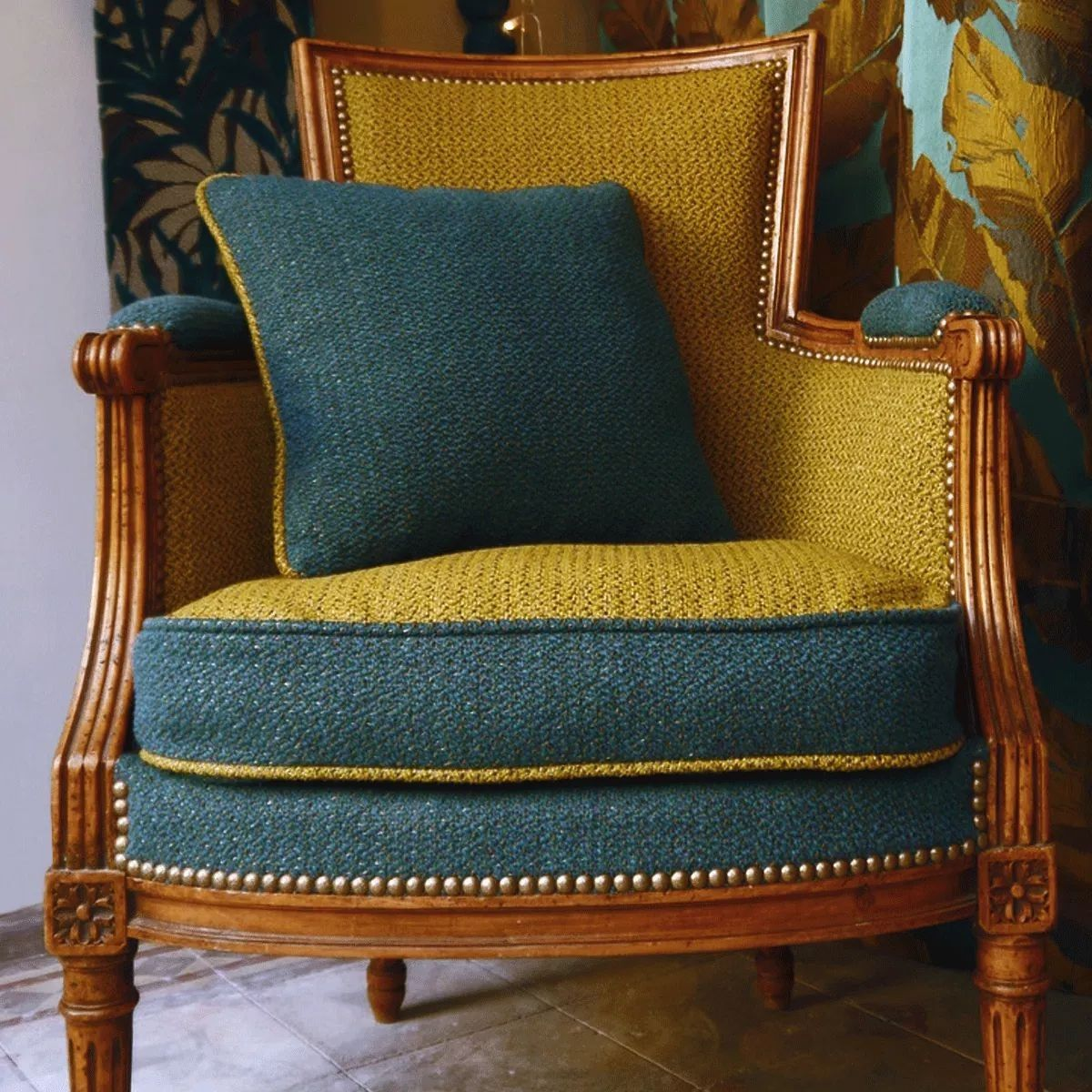 Pin By Amanda On Stunning Chairs Furniture Upholstery Chair Upholstery Chair Fabric