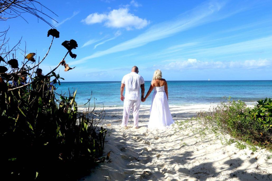 Cheap Bahamas Weddings Cheap Weddings In The Bahamas No Really Affordable Bahamas Wedding Packages Call Or W Bahamas Wedding Wedding Package Cheap Wedding
