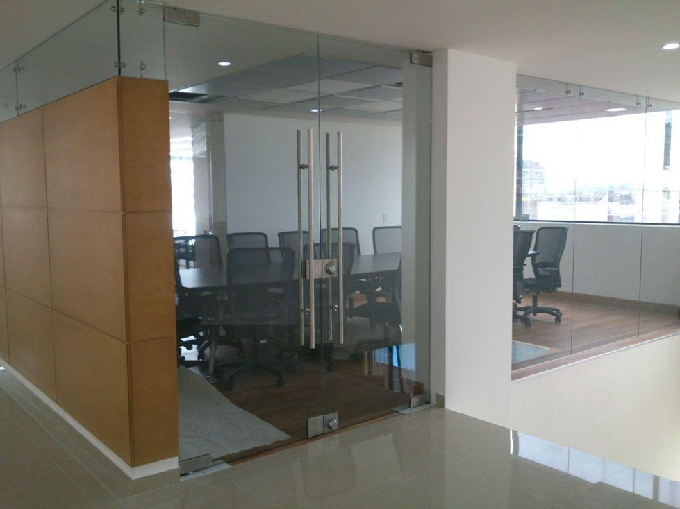 Divisiones de oficina buscar con google mamparas de for Mamparas de oficina