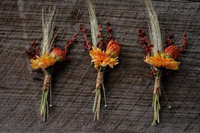 hochzeit im herbst schicke ansteckblumen f r den br utigam mit weizen hren anstecker. Black Bedroom Furniture Sets. Home Design Ideas