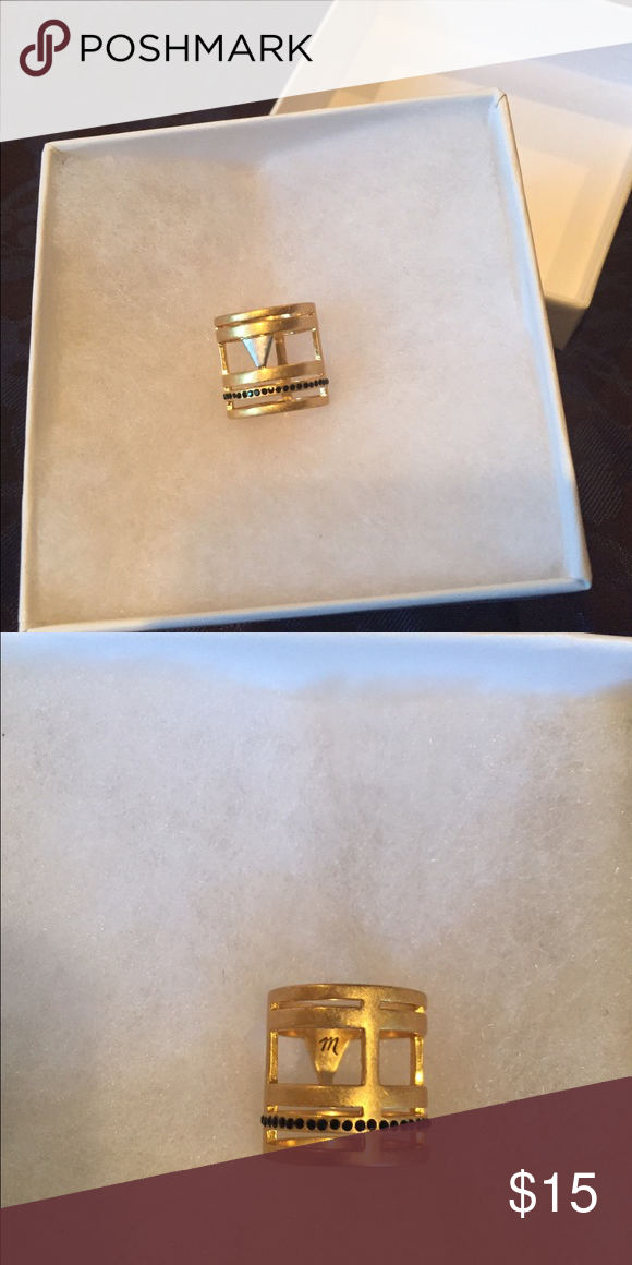 Madewell Gold Tone Costume Ring Size 5 Madewell Ring, size 5. Never worn. Great design. Madewell Jewelry Rings