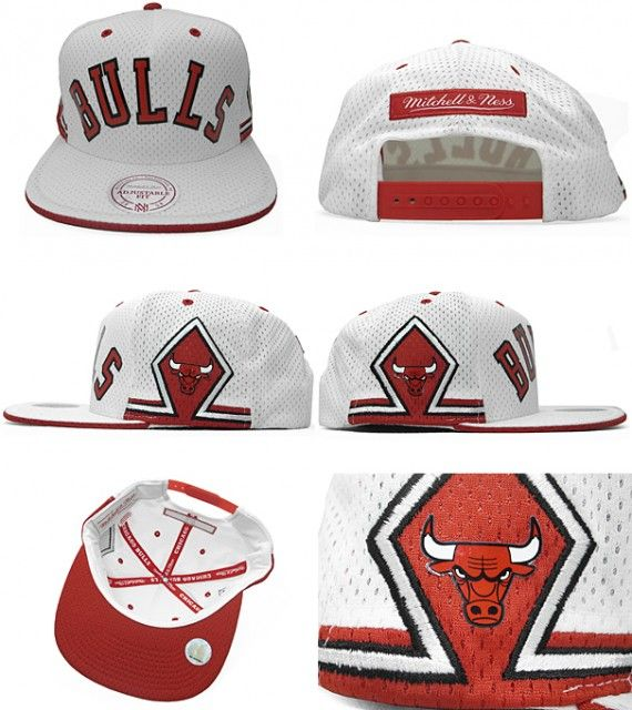 the best attitude c86d8 35846 Mitchell   Ness – Chicago Bulls Retro Jersey Snapback Cap i needvthis in my  lfe