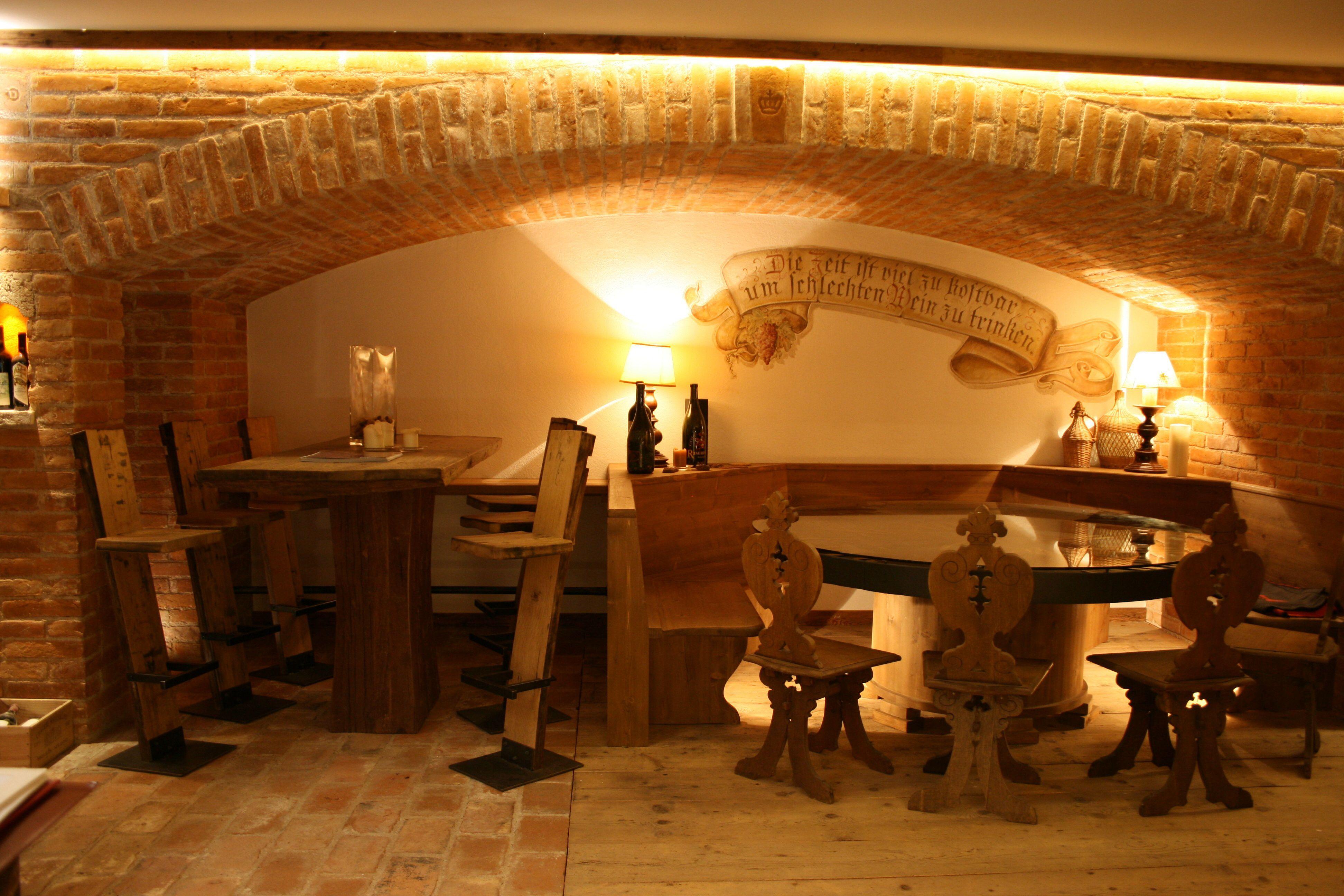 Weinkeller Rasmushof Kitzbühel von Diogenes www.helmut-pramstaller.at