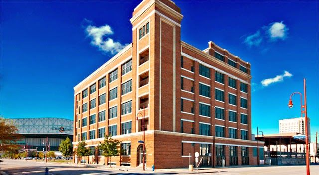 Shantella Williams, Texas Realtor: ♠ Gorgeous Lofts Near Minute Maid Park ♠ Call (832) 304-4056 to schedule a tour!
