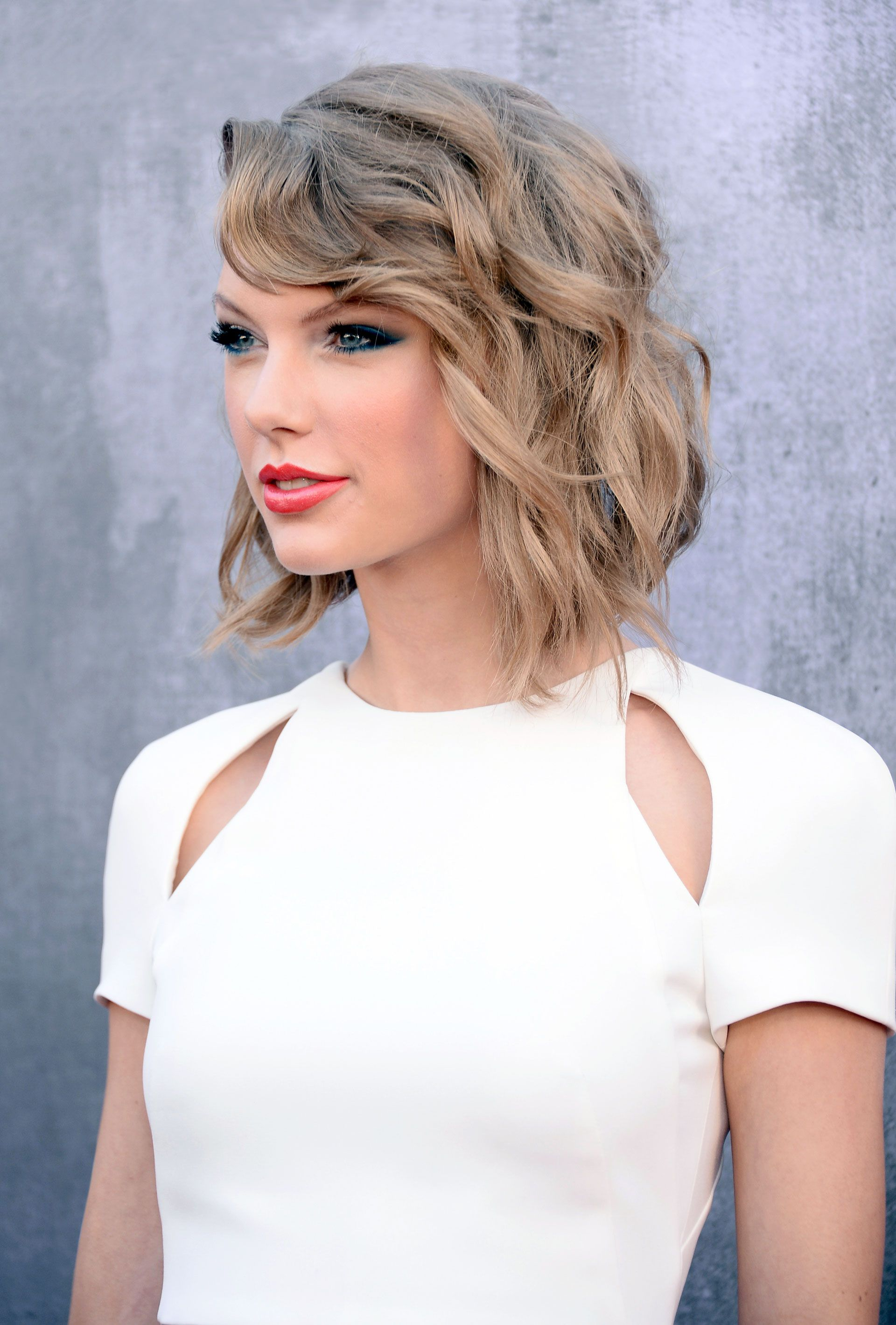 The 16 Best Haircuts Of All Time Above Shoulder Length Hair Glam Hair Shoulder Haircut