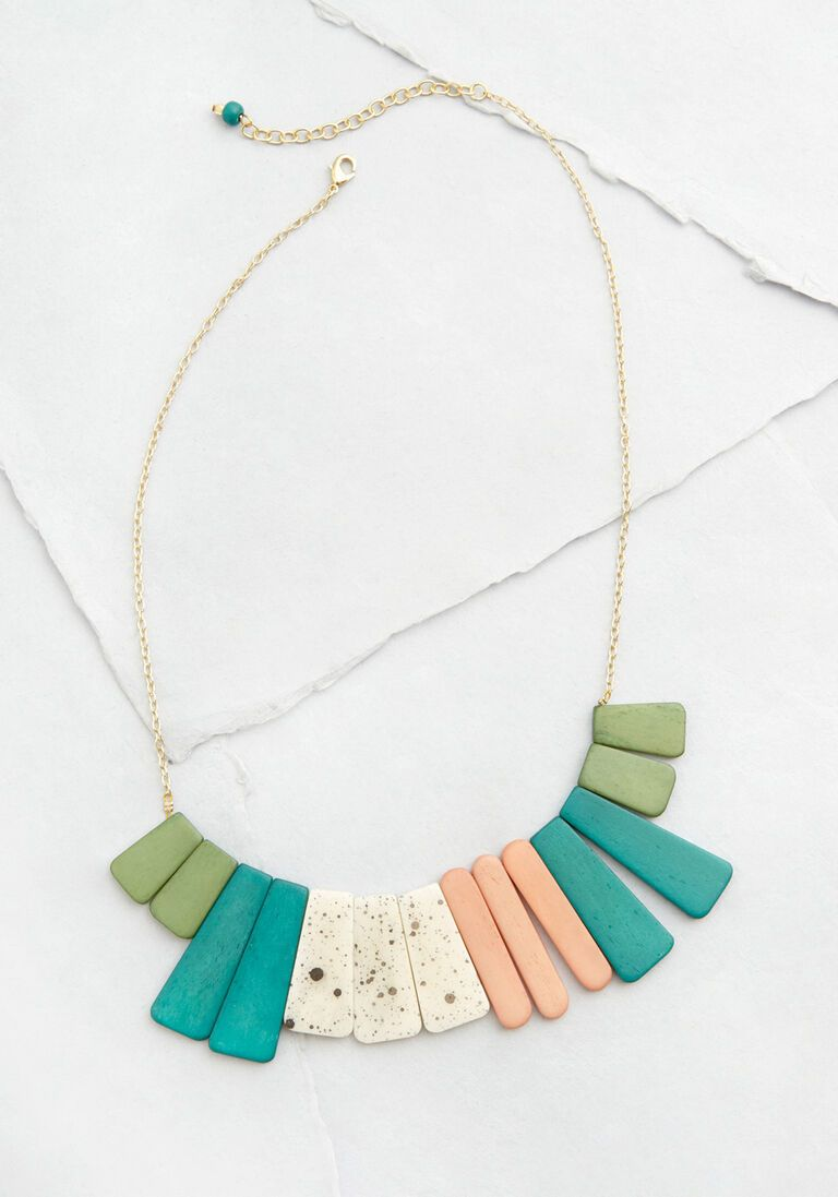 Color to Attention Statement Necklace