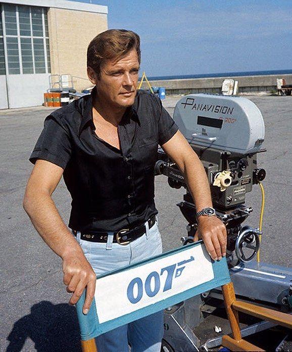 Bond Näyttelijät