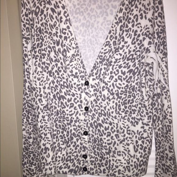 Forever 21 gray leopard cardigan women's sz M Forever 21 gray leopard cardigan women's sz M. Worn once, in excellent condition. Fast shipping! :) Forever 21 Sweaters Cardigans
