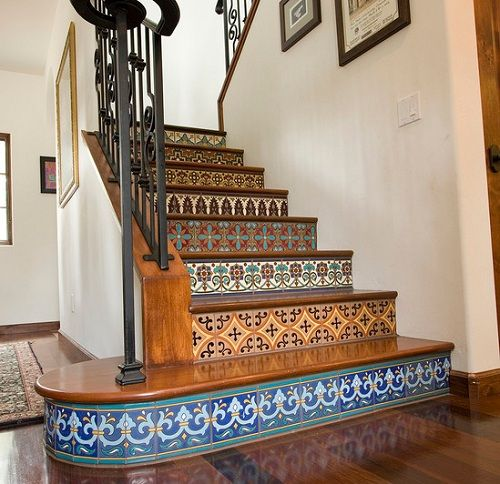 Love the rich colors, textures, and detailing of Spanish home interiors? Get the look in your home with these helpful tips for adding Spanish flair.