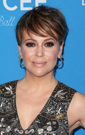 Alyssa Milano Celebrity Inspired Short Haircuts For Women Over 40 L