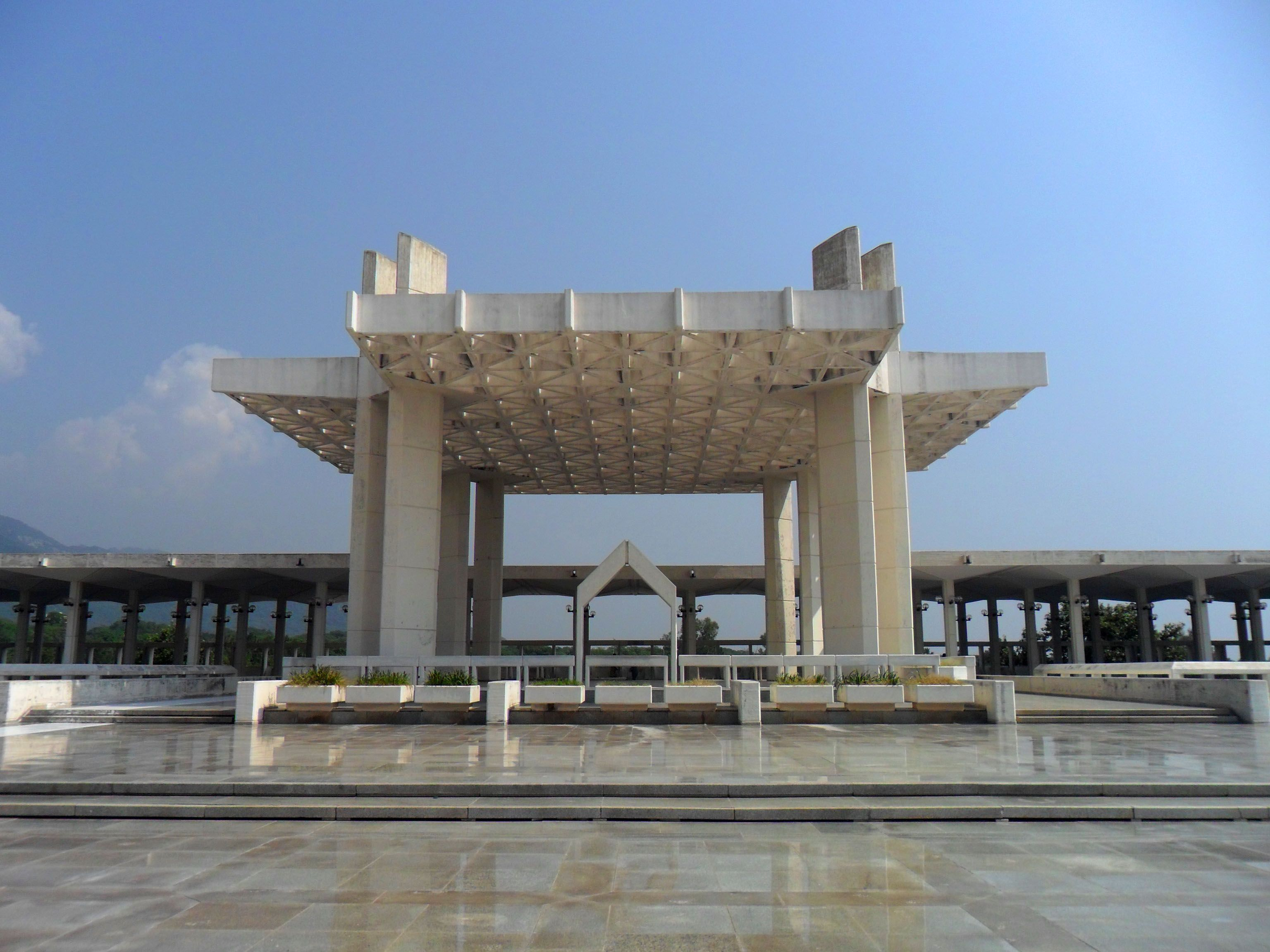 A Structure in Main Courtyard of Faisal Mosque