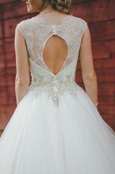 Ivory Lace And English Net 9022 Formal Wedding Dress Size 2 Xs