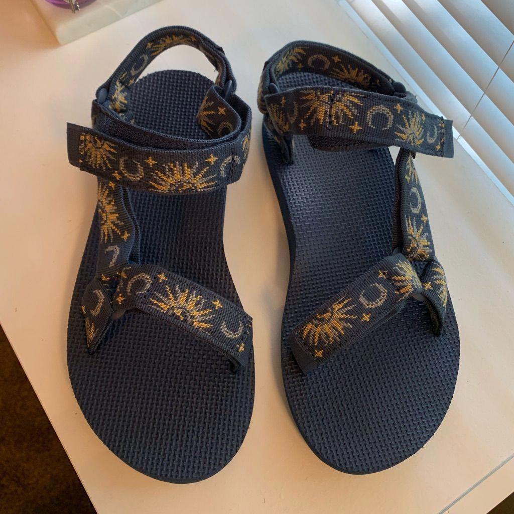 Teva sandals, Teva sandals outfit