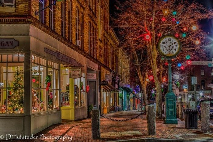 Here Are The Top 13 Christmas Towns In Maine They\u0027re Magical - christmas town decorations