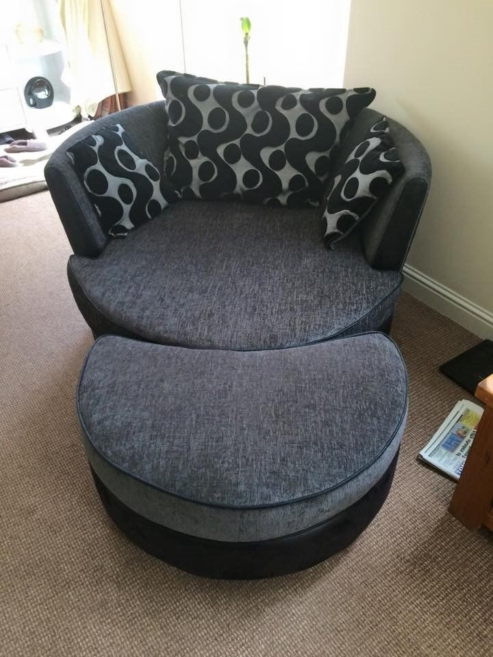 Double Sofa Bed And Large Round Swivel Cuddle Chair And Puffee : round swivel lounge chair - lorbestier.org