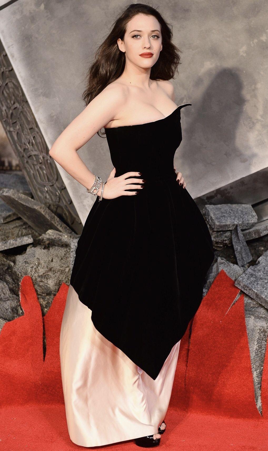 Kat Dennings Kat Dennings Little Black Dress Dresses [ 1709 x 1018 Pixel ]