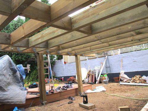 Faire une structure en pin pour terrasse sur pilotis terrasse