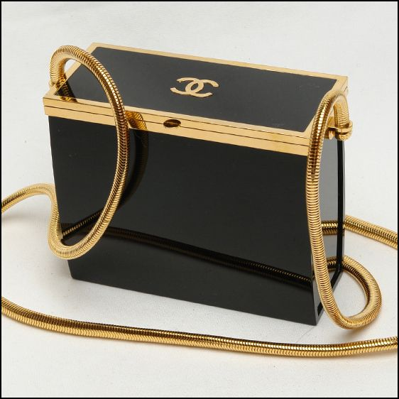 Opulent Chanel black and gold Lucite runway vintage box handbag  ❤♔Life, likes and style of Creole-Belle ♥