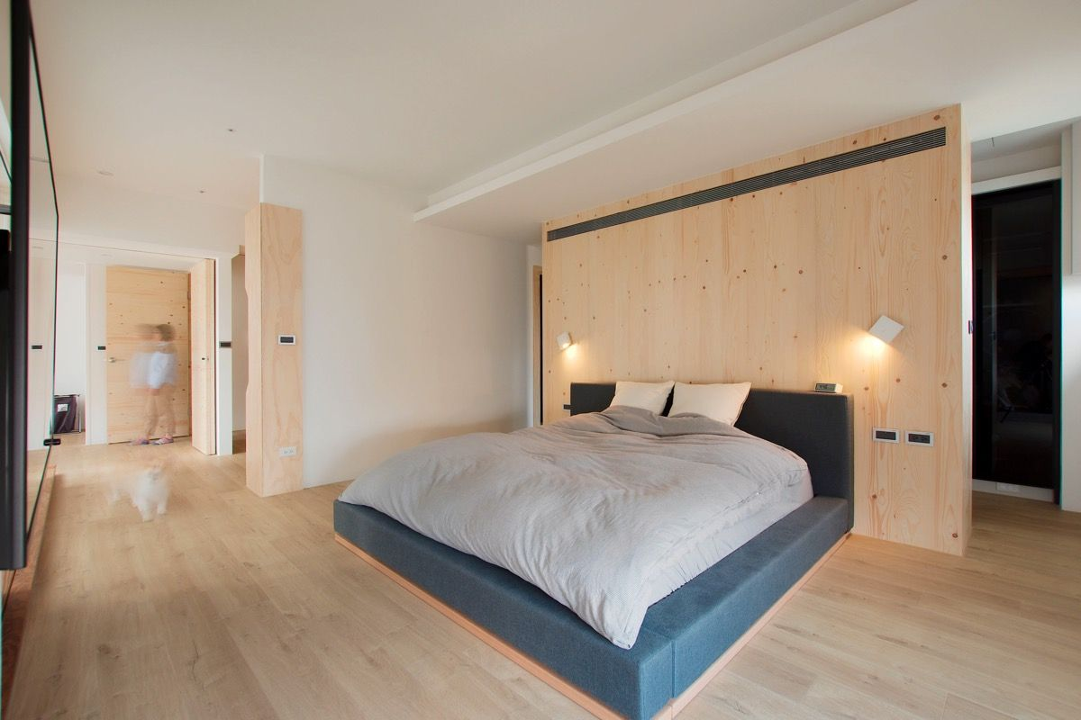 Designed for a growing family in zhubei taiwan this modern home maintains a clean
