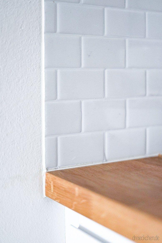 Bathroom Metro Fliesen In Der Kuche Kuchenruckwand Aus Fliesenaufklebern In 2020 Metro Tiles Tiles Diy Bathroom