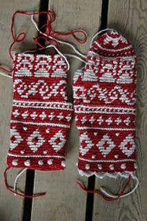 CAL crochet mittens Ravelry: Suomalainen Mysteerilapasvirkkaus-CAL pattern by Kirsti Hallamaa