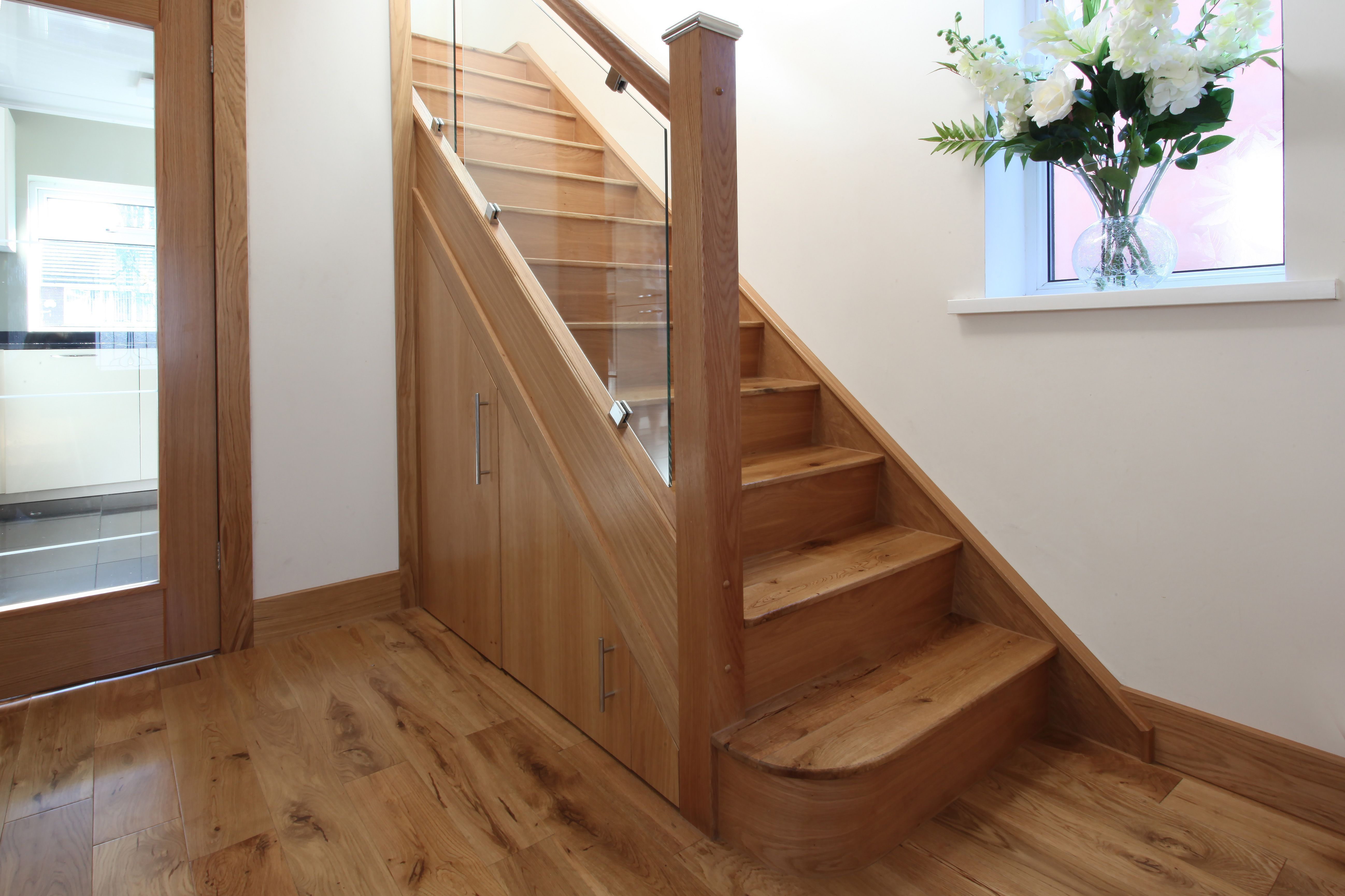Kit Renovation Staircase We Installed A Staircase Renovation Kit Over The Existing Stairs And Completed All Additional Joinery Work Ne Hall Menuiserie Et Portes