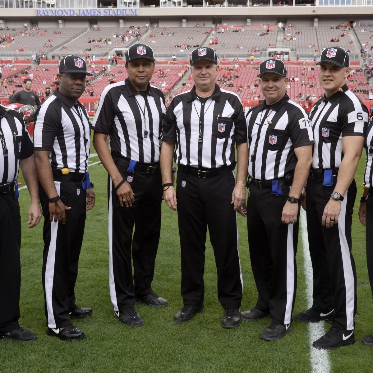 How Much Are NFL Referees Paid? Nfl officials, Nfl, Nfl