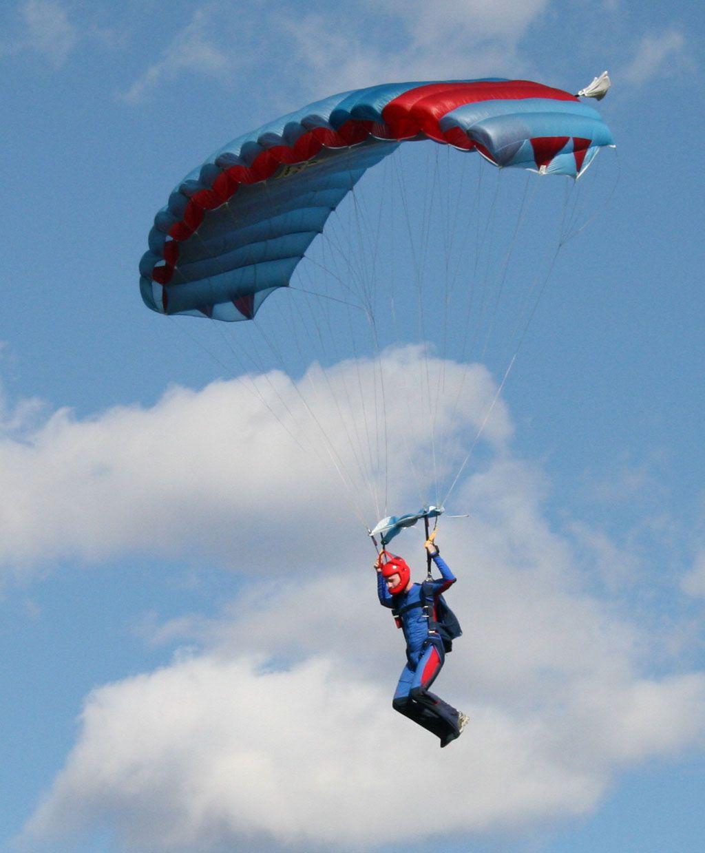 Sky Diving Dailylifebuff Skydiving Indoor Skydiving Diving