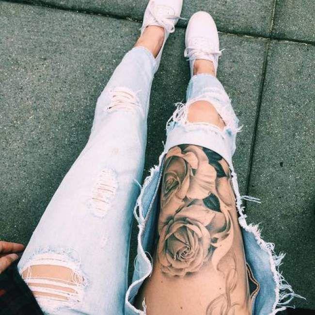 Tatouage De Femme Tatouage Roses Realiste Sur Cuisse Tatuu