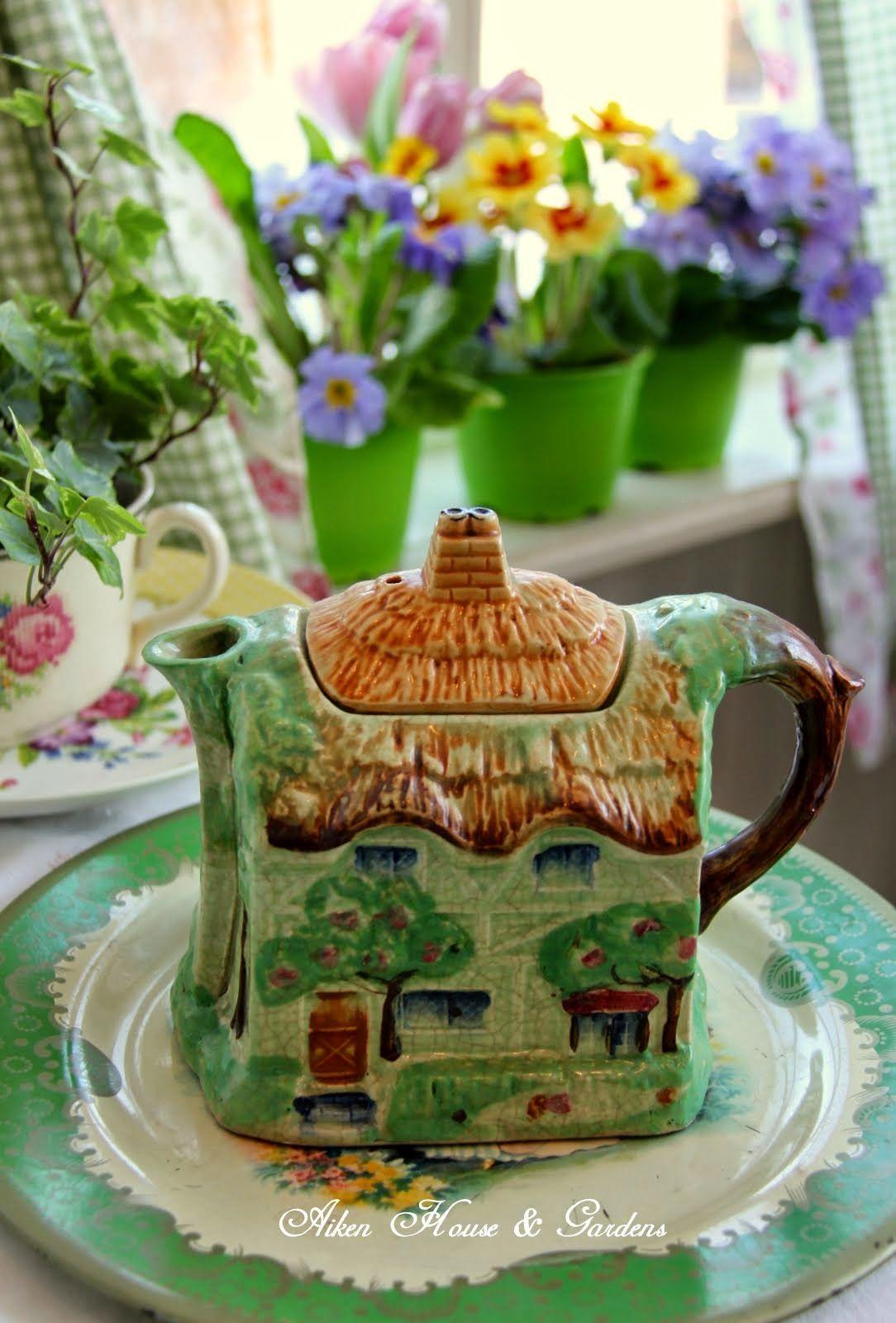 Spring Green Tea pots, Tea, Novelty teapots