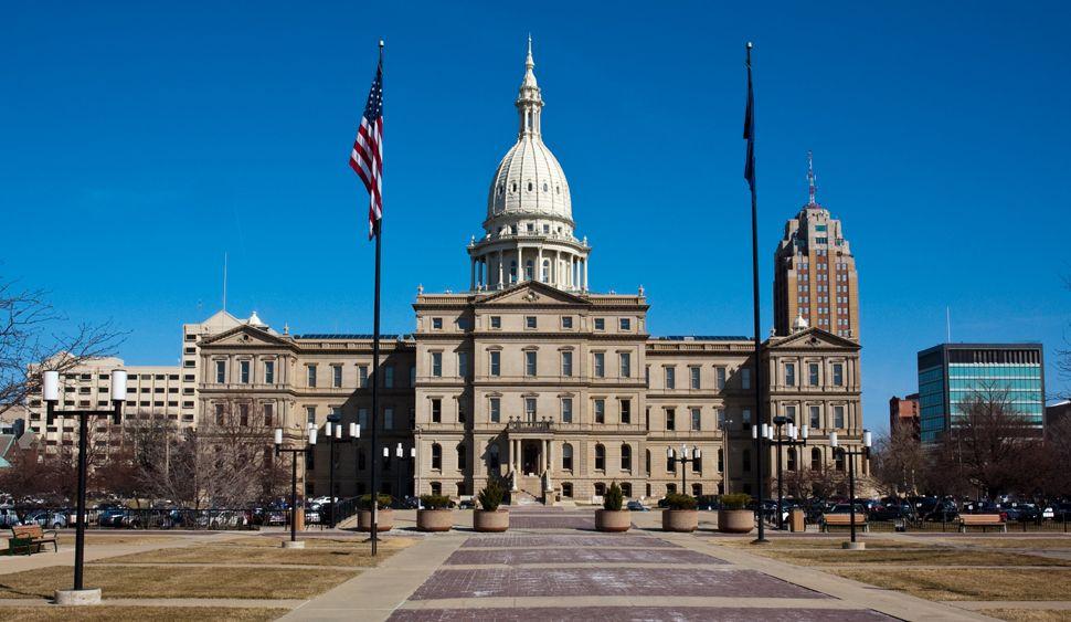 Librarians Nationwide Protest Michigan Bill American Libraries Magazine Lansing Michigan Michigan Lansing