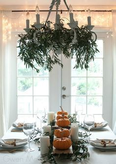 Scandinavian style fall table or Thanksgiving table place setting idea with pump #thanksgivingtablesettingideas Scandinavian style fall table or Thanksgiving table place setting idea with pump... #thanksgivingtablesettingideas