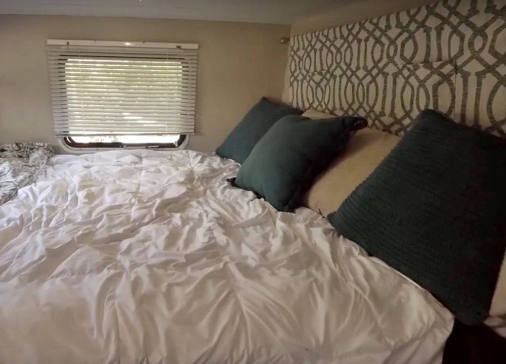 8 Simple Headboard Ideas For Your Rv S Bed Simple Headboard
