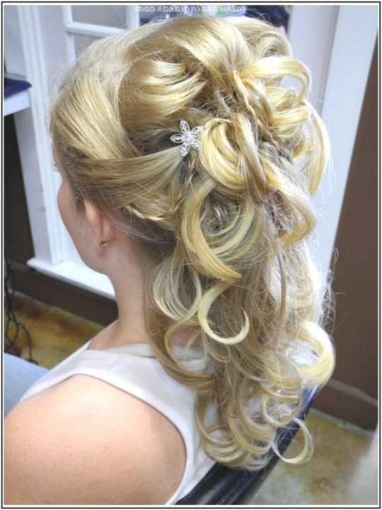 Pin von Michelle auf Hochzeit  Brautfrisur Frisuren und Frisur hochzeit