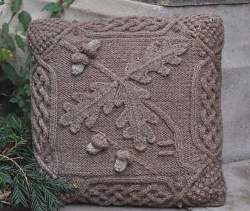 Celtic Oak Pillow pattern by Barbara A Pott   Pinterest   Stricken ...