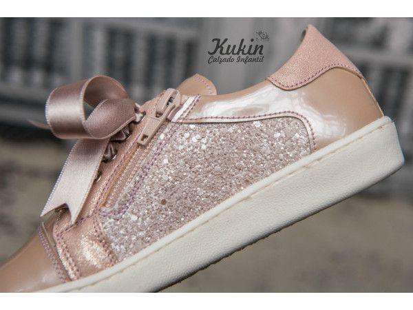 new concept 4e898 14c54 Zapatos deportivos niña Landos en 2019   Zapatos   Pinterest   Shoes,  Sneakers y Louis vuitton