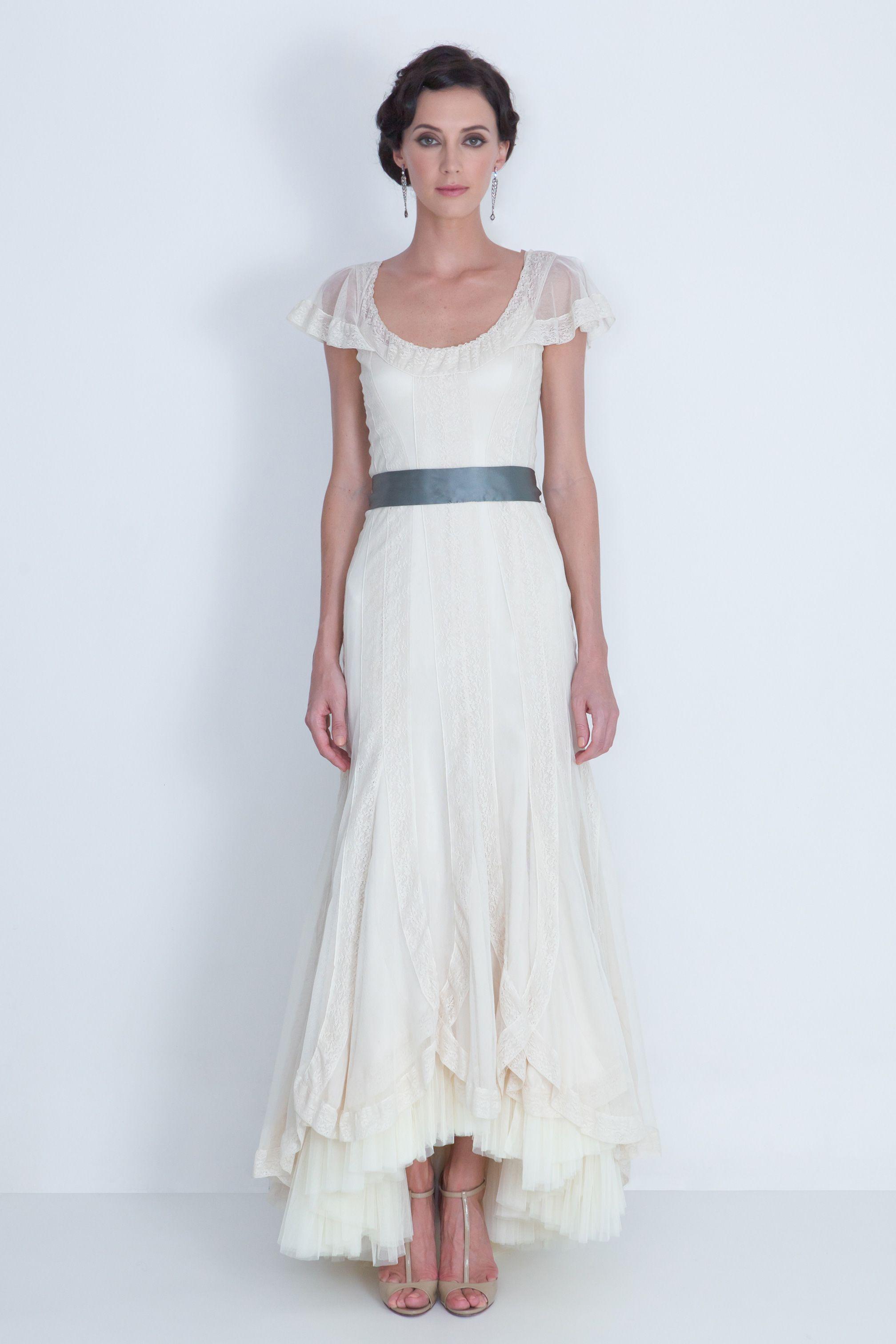 Wedding dresses downtown la  la caida  Los Vestidos  Pinterest  Neckline Gowns and Bridal