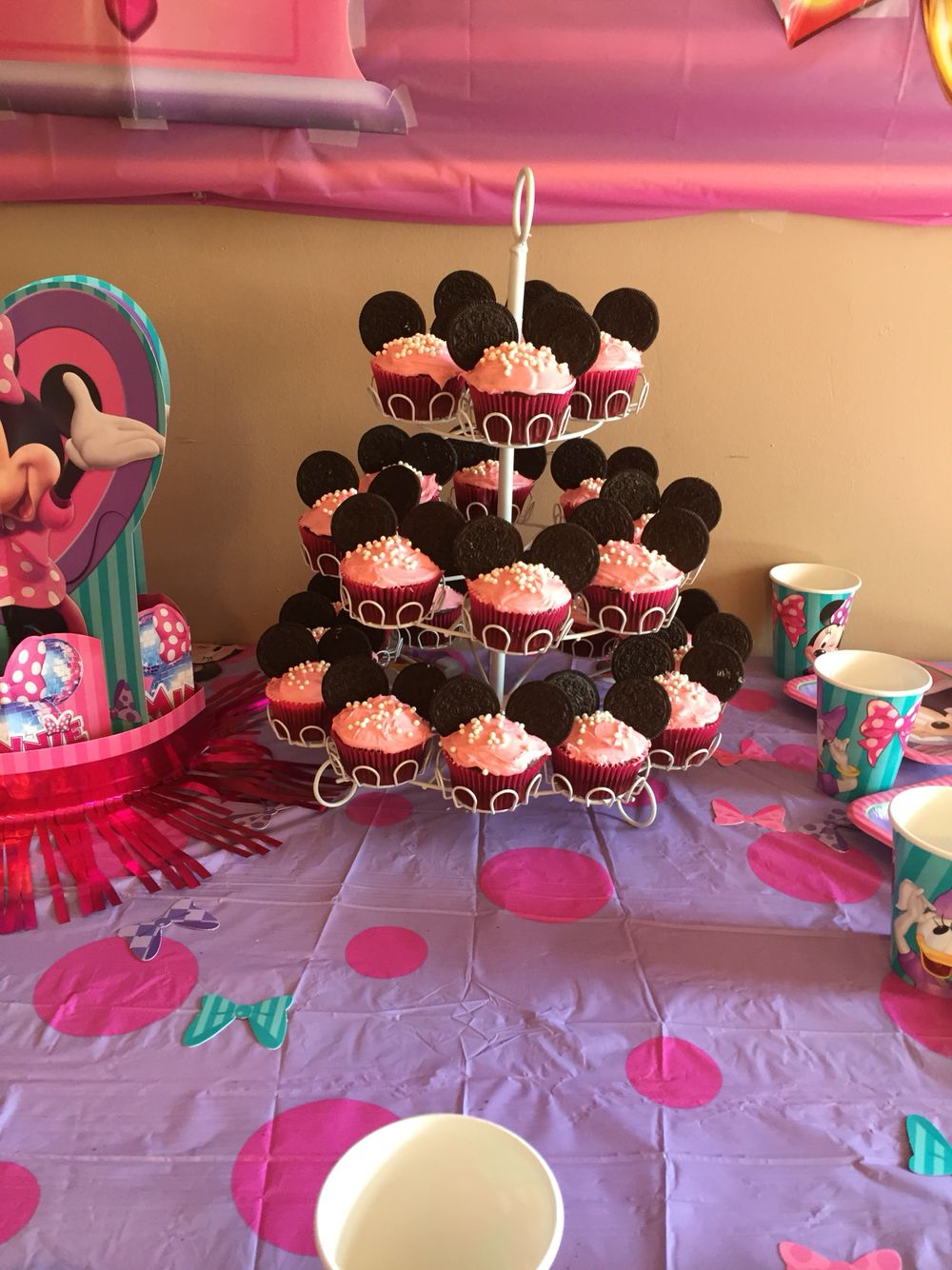 Minnie Mouse cupcakes! I think I did good for my first time