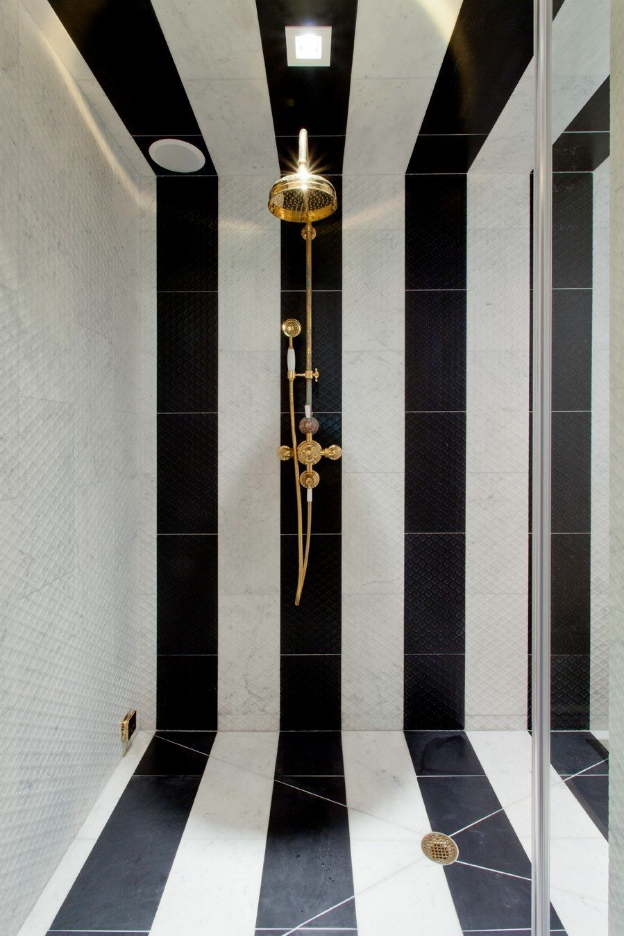 Bathroom   Black And White Striped Shower