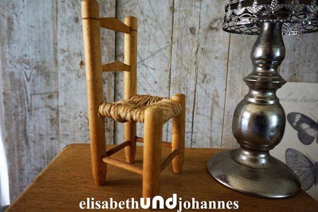 SORRY< SOLD< VERKAUFT< VERKOCHT Holzspielzeug - Niedliche vintage Puppen Barbie Stuhl Holland - ein Designerstück von elisabethUNDjohannes bei DaWanda