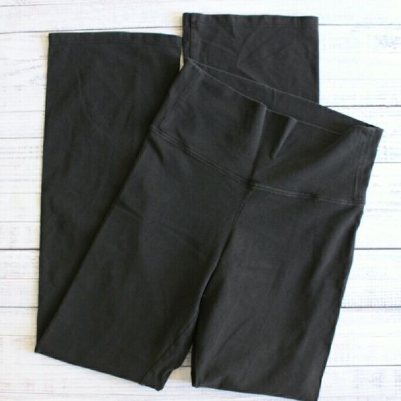 VS yoga roll-down pants Worn, some fading, but in great shape otherwise 32.5 inch inseam Victoria's Secret Pants Track Pants & Joggers