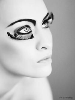I like the way the lashes are on opposite lids. I will have to try that on a shoot!
