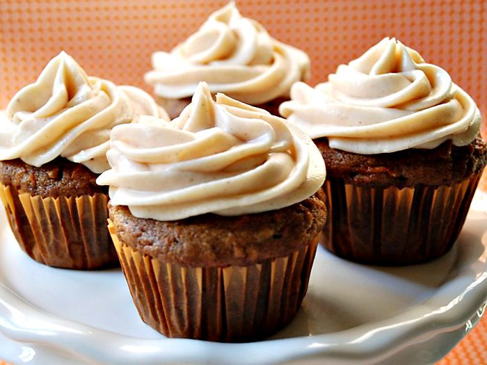 apple carrot cake cupcakes
