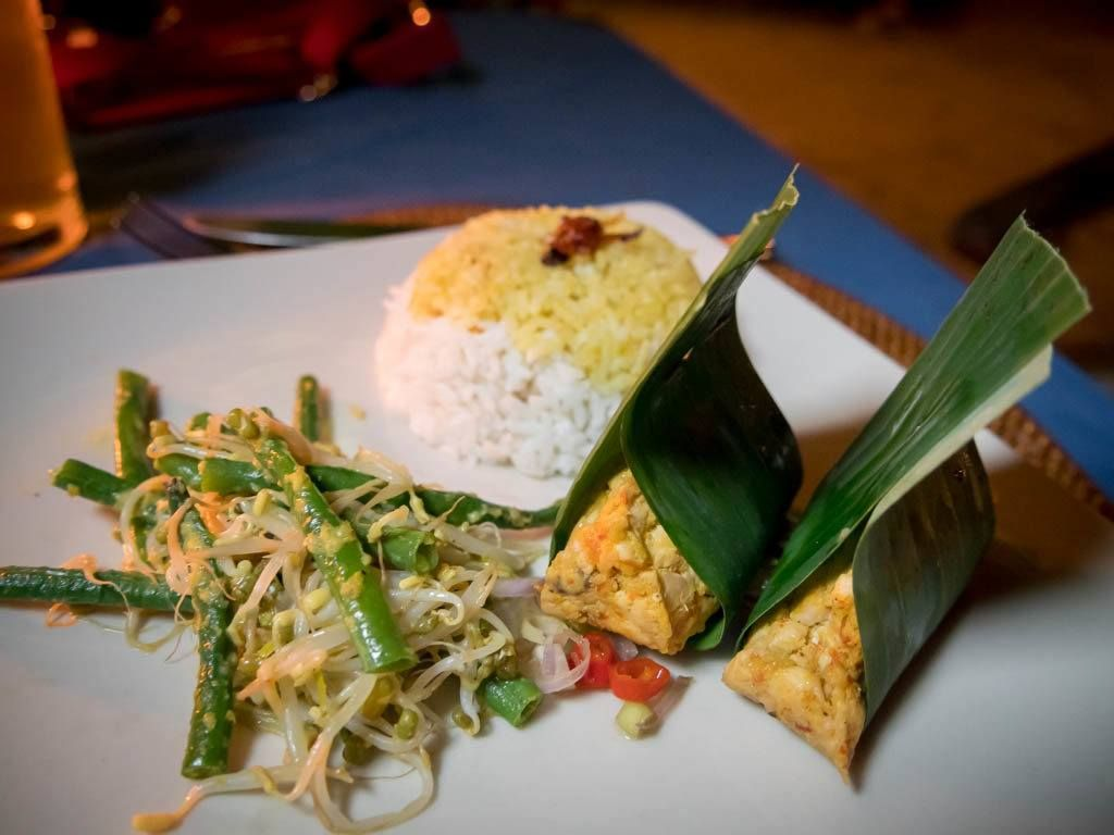 12 Traditional Balinese Dishes The Best Bali Restaurants Resep Masakan Asia Masakan Asia Masakan