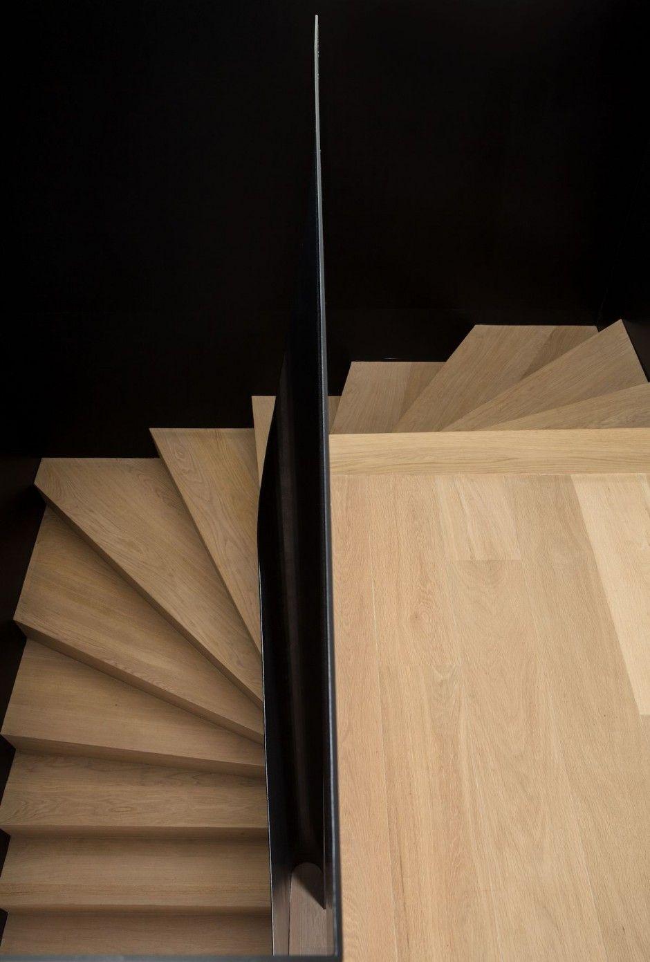 House LS by dmvA >  Steel plate guardrail