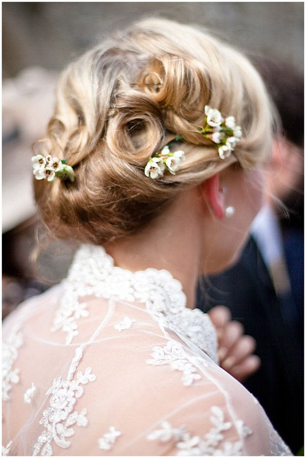 small flowers wedding hair idea with floral accents