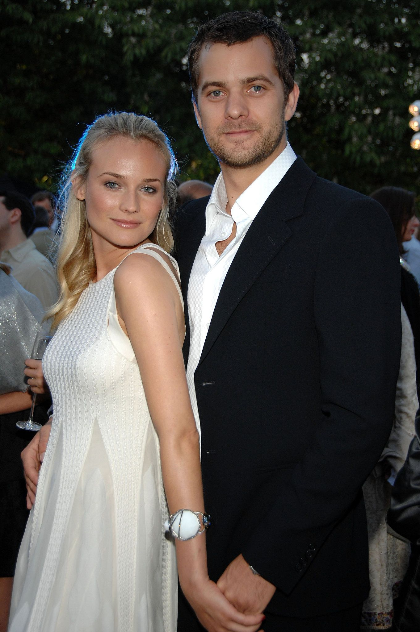 birthday girl diane kruger 39 s sweetest moments with joshua jackson diane kruger joshua jackson. Black Bedroom Furniture Sets. Home Design Ideas