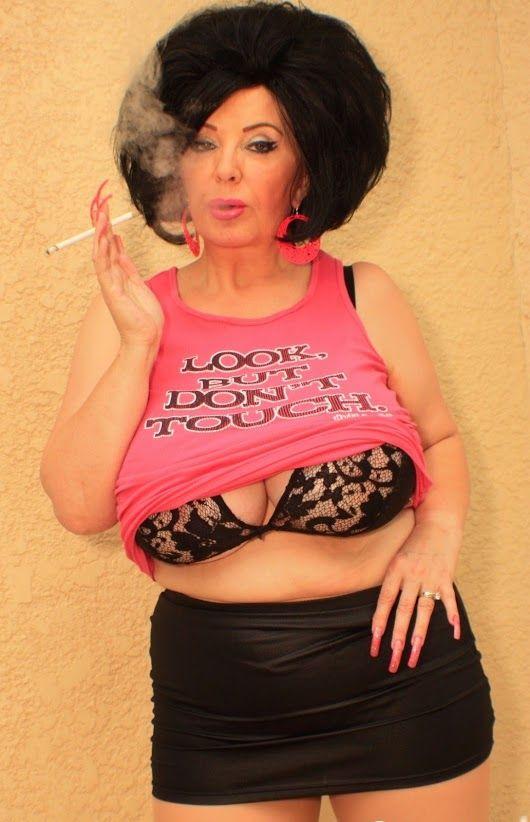 big natural boobs mom