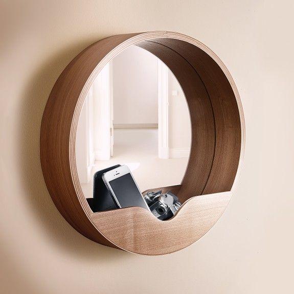 multifunktionale m bel sind in kleinen fluren praktisch wie dieser spiegel mit ablage. Black Bedroom Furniture Sets. Home Design Ideas