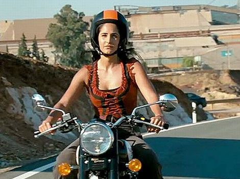 Harley Davidson Is The Market Share Leader In Terms Of New Motorcycle Sales To Women In All Categories In Th Royal Enfield Bullet Royal Enfield Motorcycle Girl